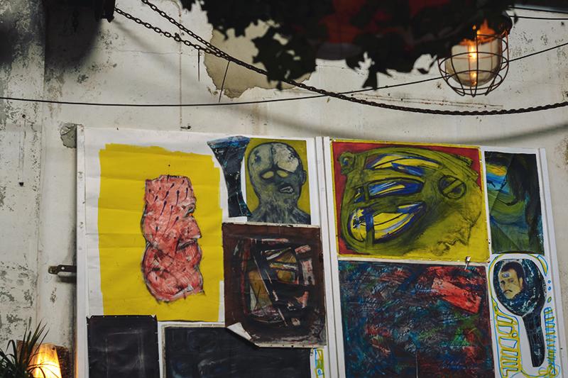 Paula Abrahao - Moderne Hippies Markt
