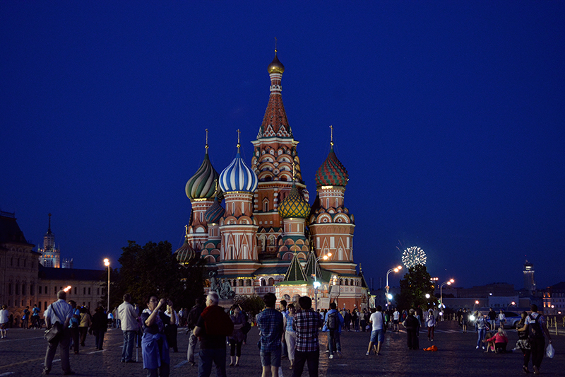 PaulaAbrahao - Red Square at night, Moscou