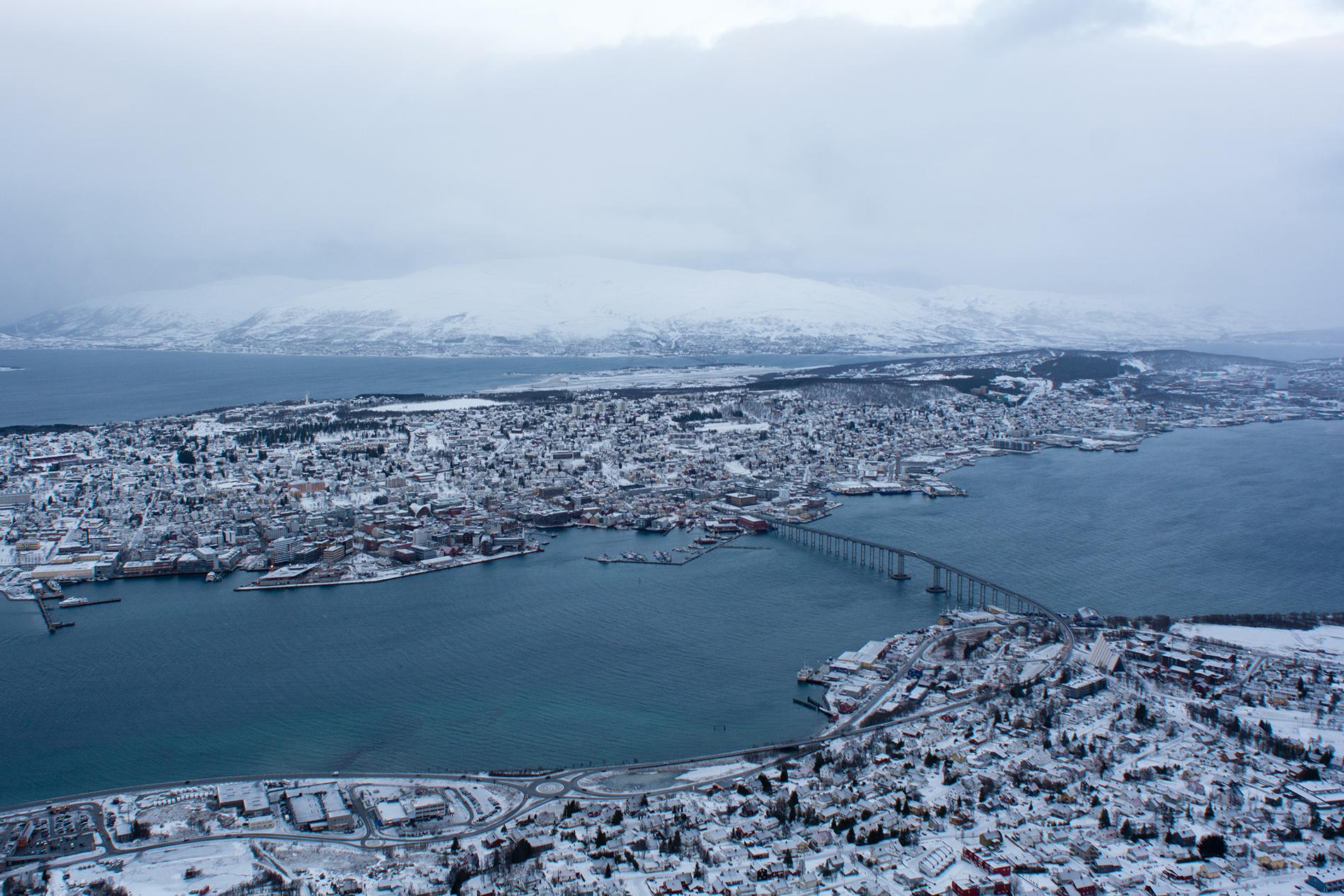 Paula Abrahao | BLOG - Tromsø, Noruega: Fjellheisen e Storsteinen